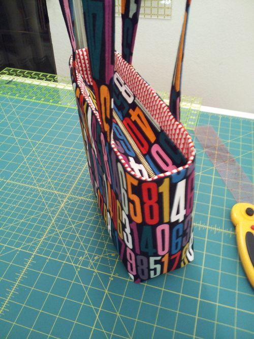 Tutorial: Add a Recessed Zipper to a Tote