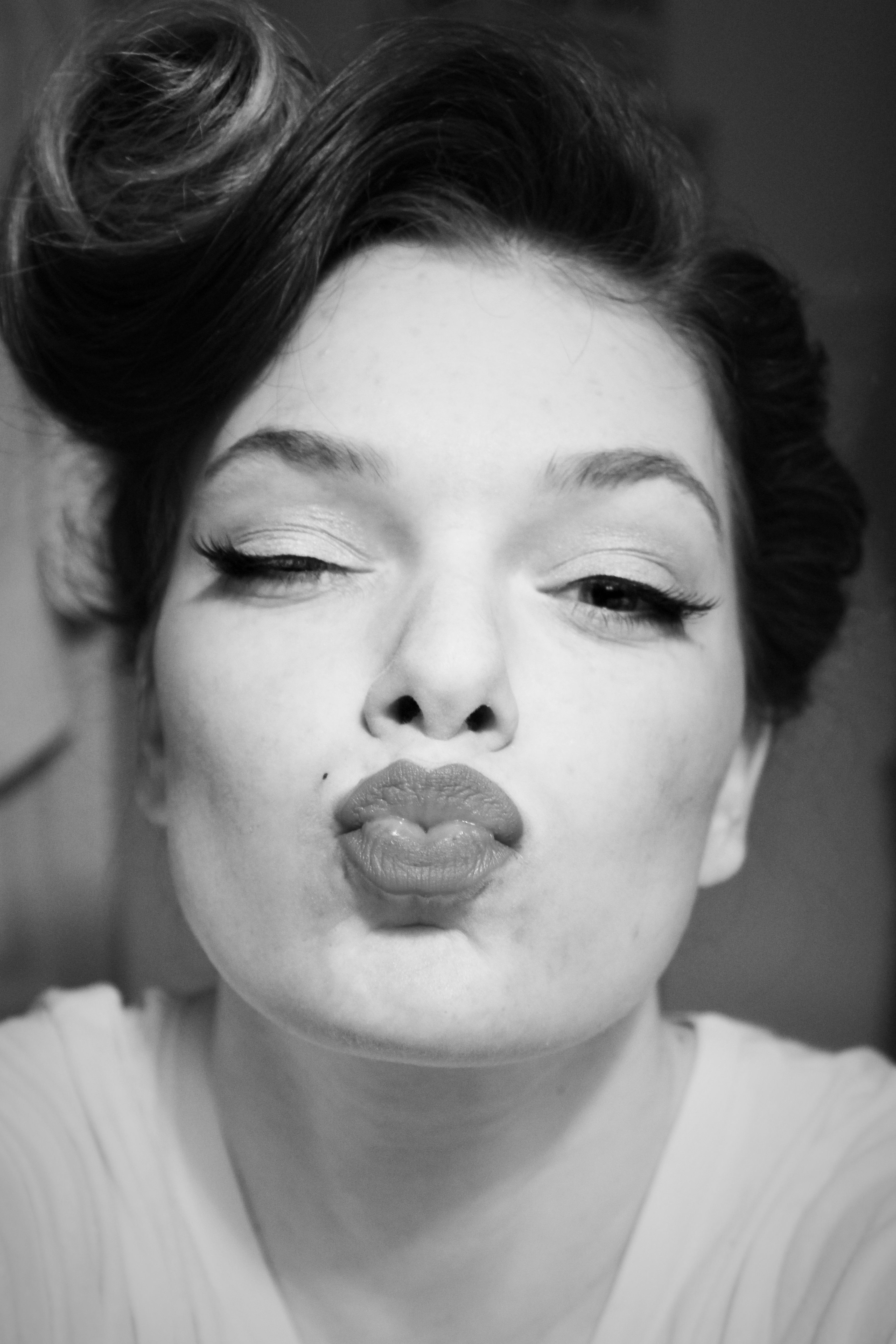 Marilyn Monroe look. black and white filter. Makeup