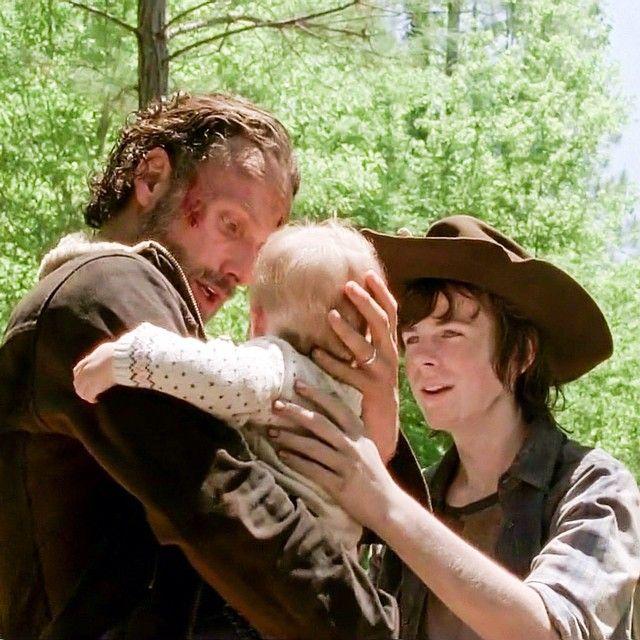 """Rick, Carl & Judith 5x01 """"No Sanctuary"""""""
