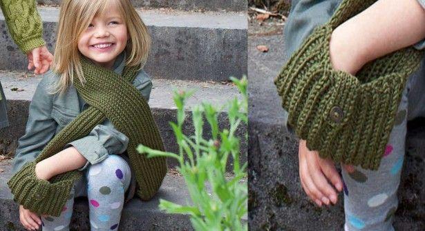 d19714e7d0ba L écharpe à poches pour enfant   Poche, Pour enfants et Écharpes tricotées