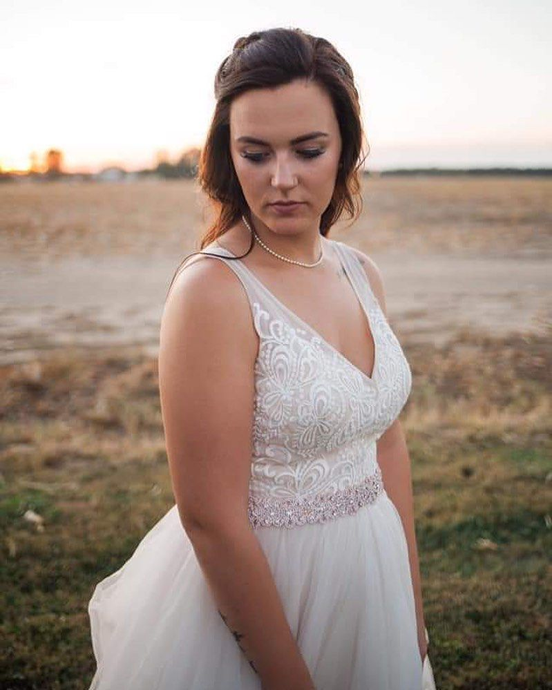 Say youll remember me standing in a nice dress looking at the sunset   kylieethompsonphotography Youre amazing  tatcha I Just  You