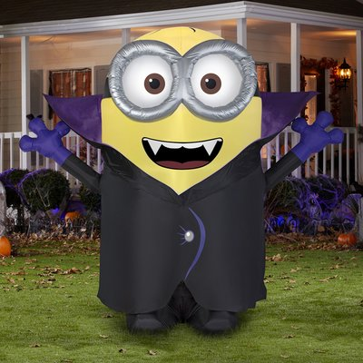 The Holiday Aisle Gone Batty Minion Inflatable Minion Halloween Halloween Inflatables Minions Despicable Me
