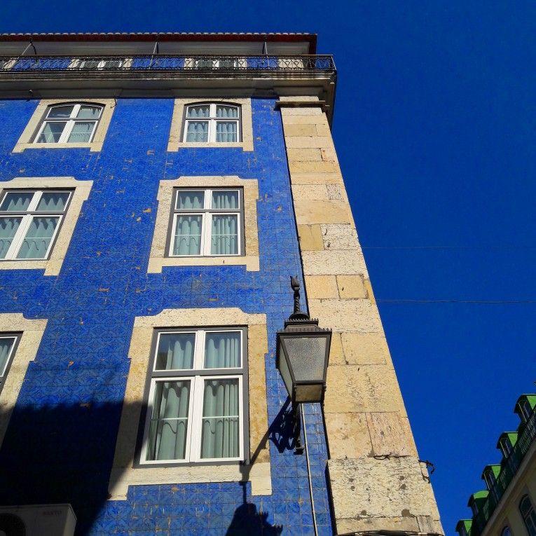 Blue is the Warmest Colour. #lisbon #blueisthewarmestcolour #bluesky #blue #tiles #tilefacade #19thcenturytiles #azulejos #architecture #pombaline #lisbontailoredtours #lisbonwithpats