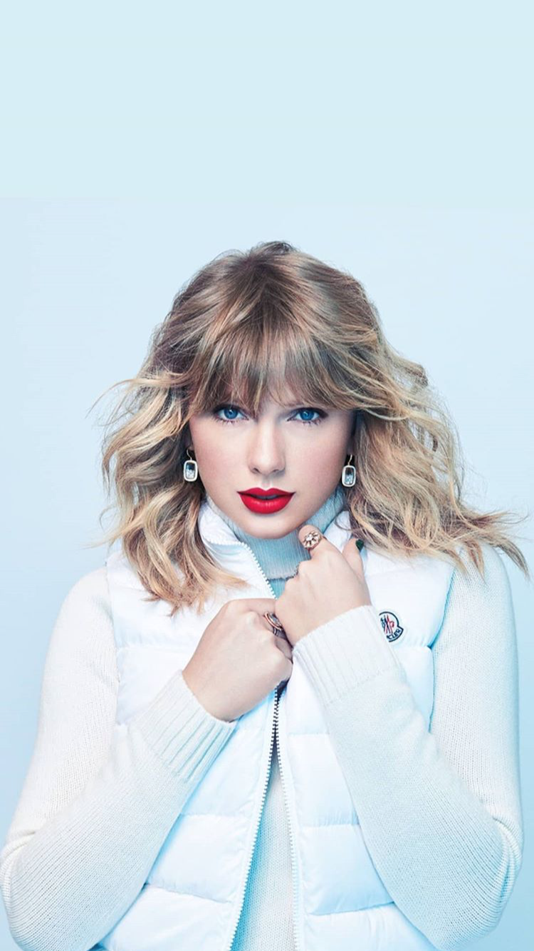 Pin By Tanush Singh On Tay Tay Wallpapers Taylor Swift Photoshoot Taylor Swift Wallpaper Long Live Taylor Swift