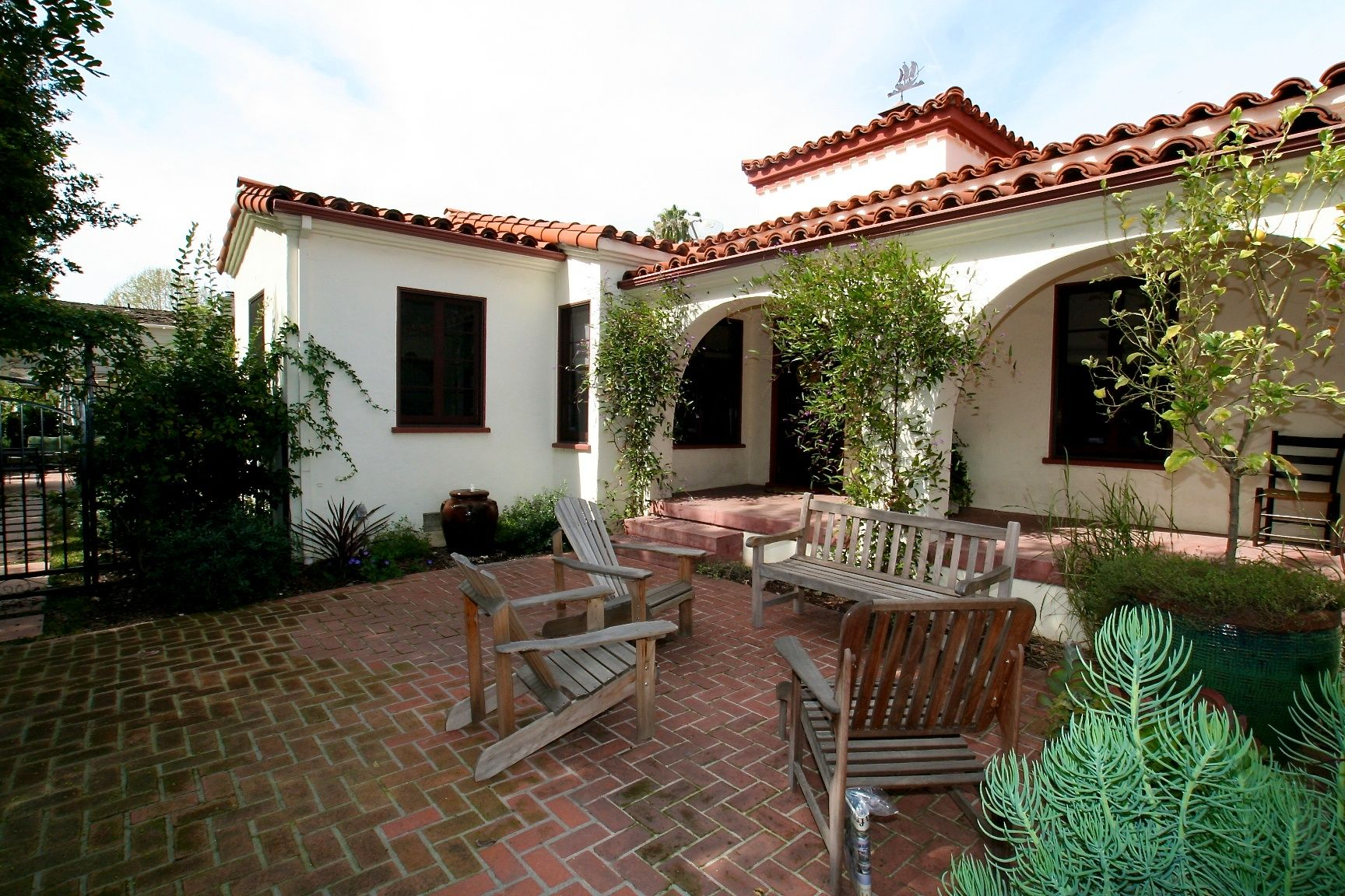 Single Story Spanish Style Homes Google Search Spanish Style Homes Spanish Style Hacienda Style