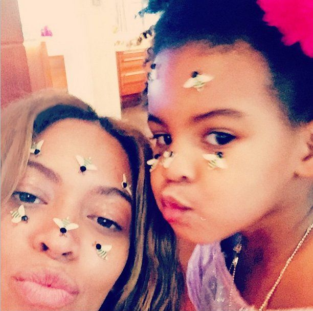 Pin for Later: Beyoncé and Blue Ivy Snap a Seriously Adorable Valentine's Day Selfie
