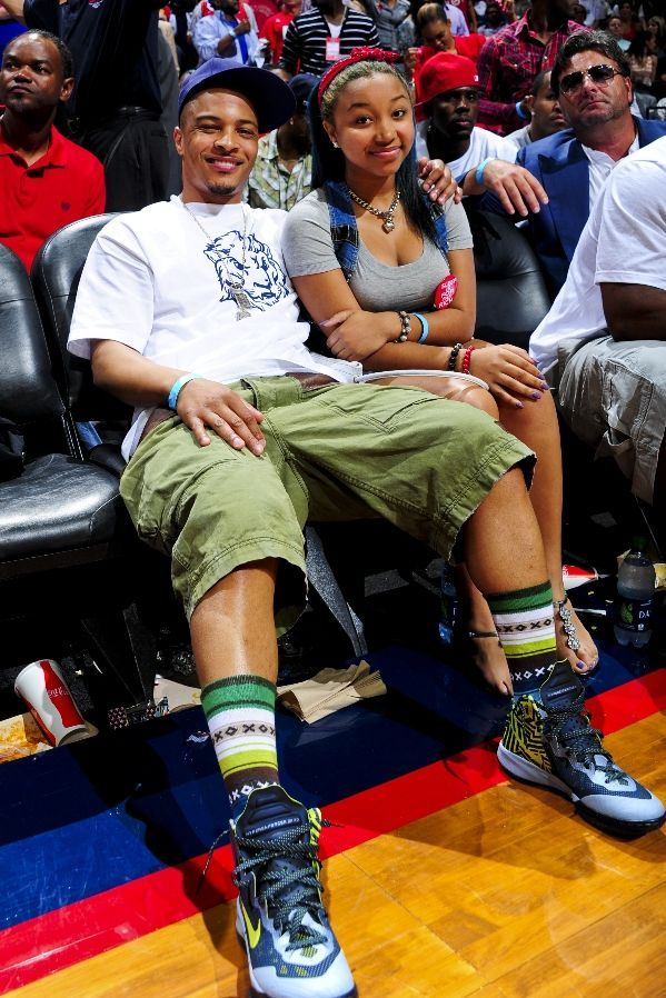 Sole Collector Celebrity Sneaker Watch    5.4.12  4cc3afda3