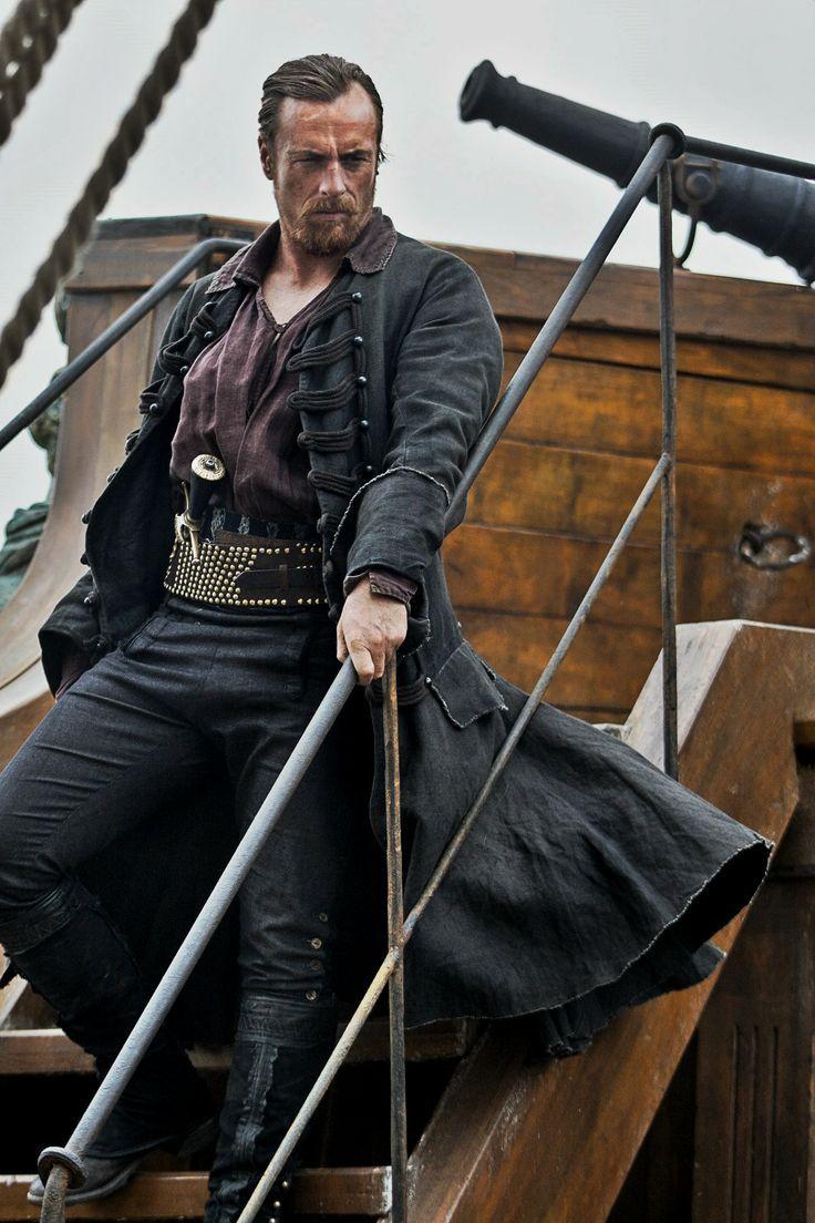 Black sails s3 pirate captain flint leather coat - Black Sails Captain Flint Played By Toby Stephens