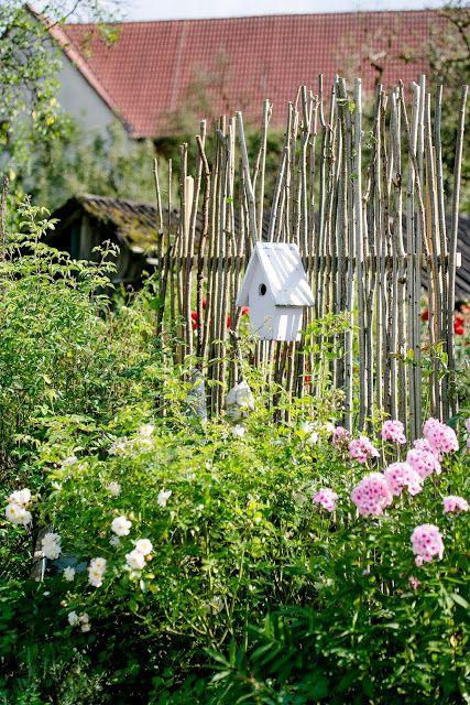 Pomponetti Sichtschutz oder unkonventionelle Rankhilfe DIY - kleinen garten gestalten sichtschutz