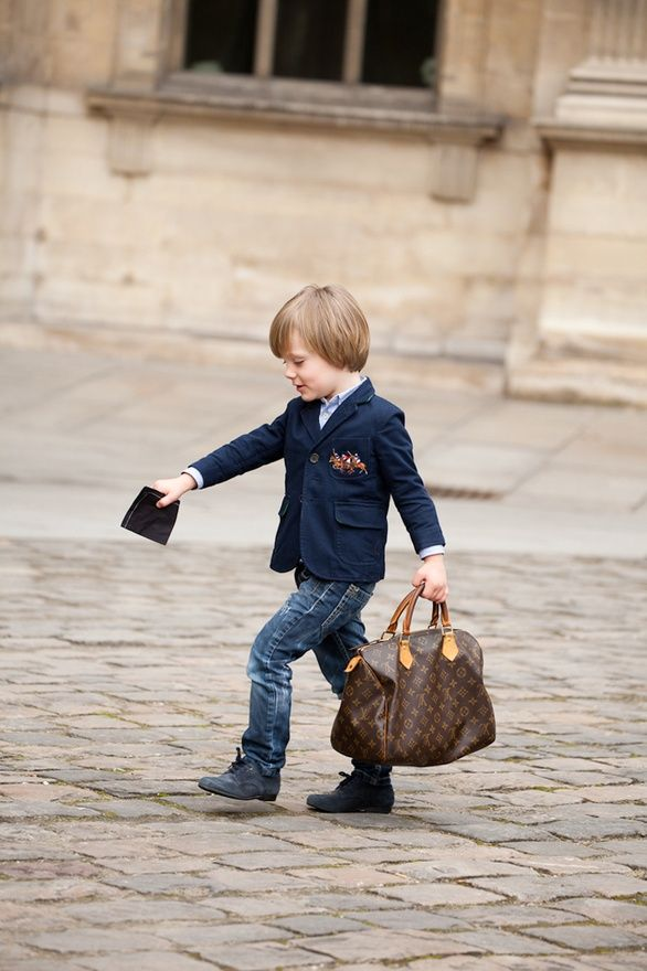 I'm not pinning because of the bag - who cares? But this kid's outfit is beyond cute.