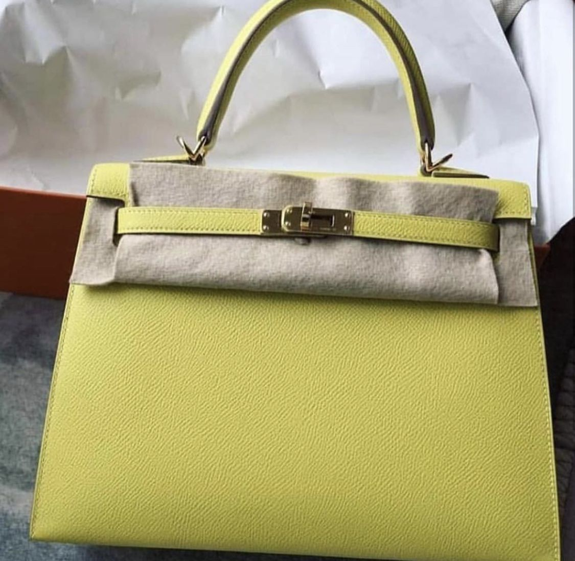 4646a58f0b60 Kelly 25 lime epsom Sellier phw  k25  hermes  kelly  epsom  lime  fashion   guru  trend  style  colors  bags  handbags  present  gift  saudi  asia