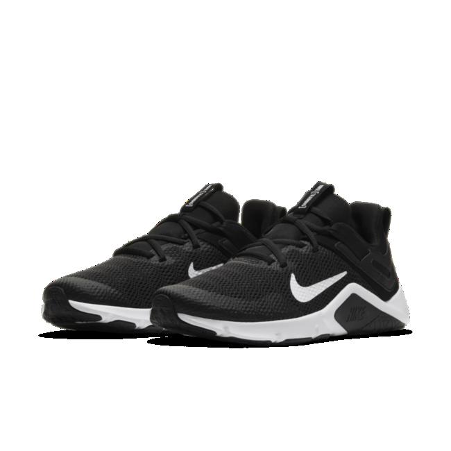Nike Legend Essential Damen-Trainingsschuh | Nike, Chaussures d ...