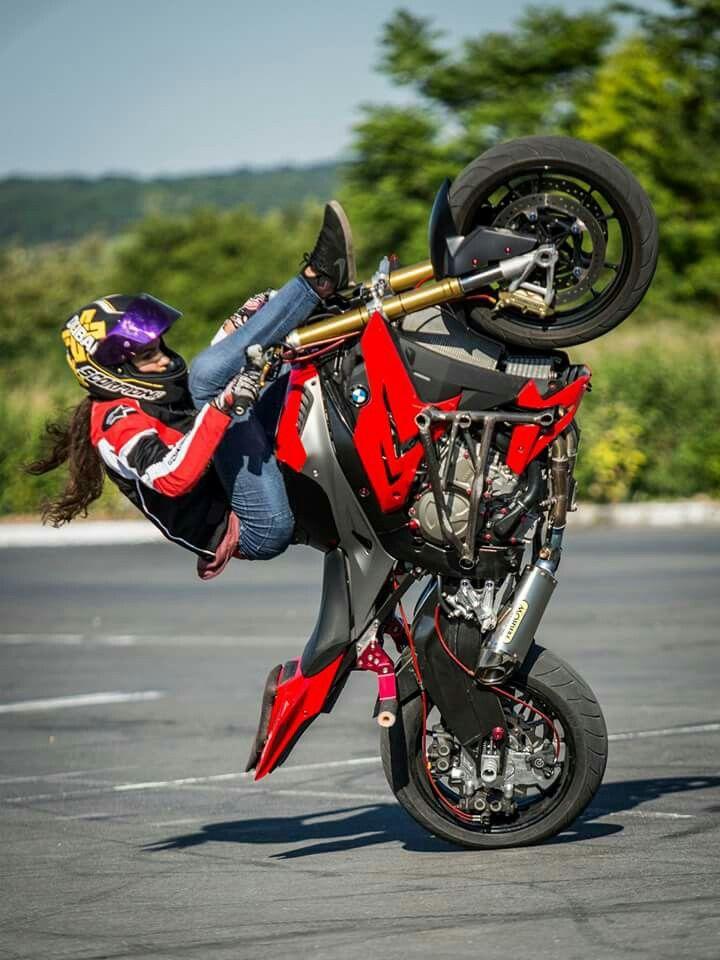 Sarah Lezito #Stuntrider #Girlpower