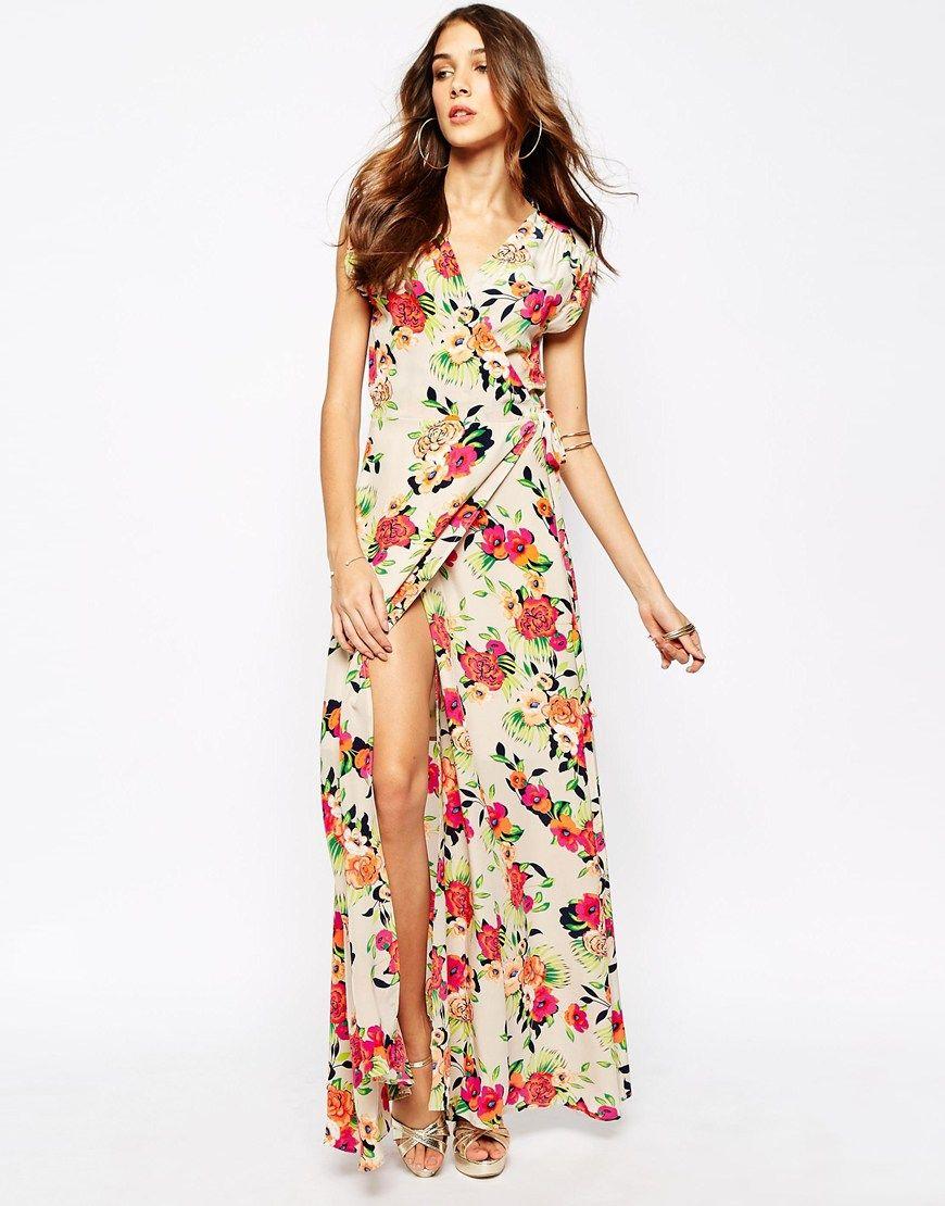 6541fcec503 Vestido largo de seda con parte delantera cruzada y estampado de flores Kim  de Yumi