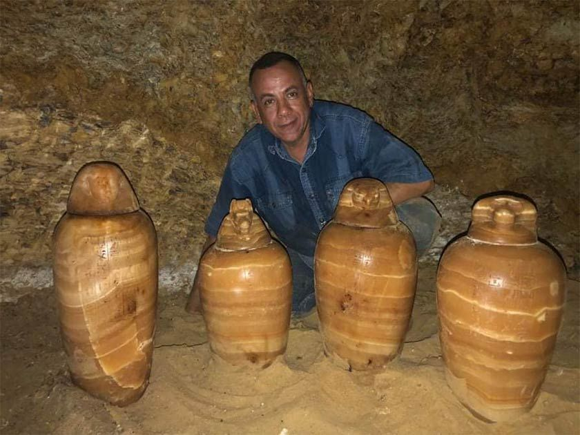 Egyptian Pharaonic Tomb Of Elite Family And Countless Artifacts Found Archaeological Finds Egyptian Artifacts