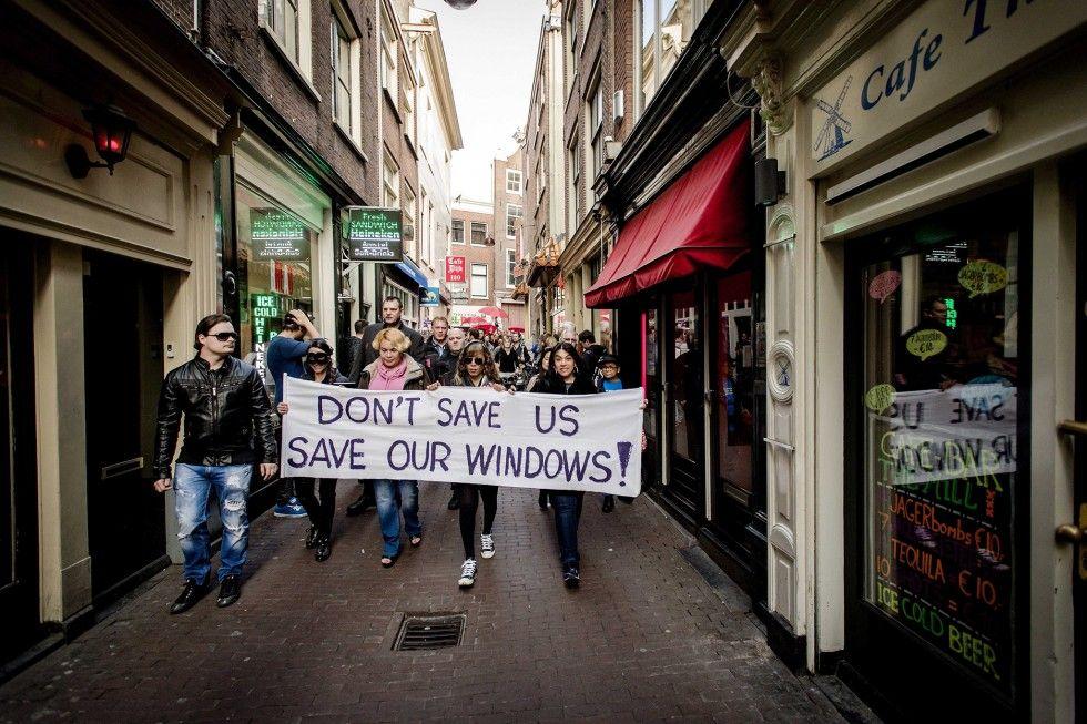 Prostituees protesteren tegen de gemeente Amsterdam