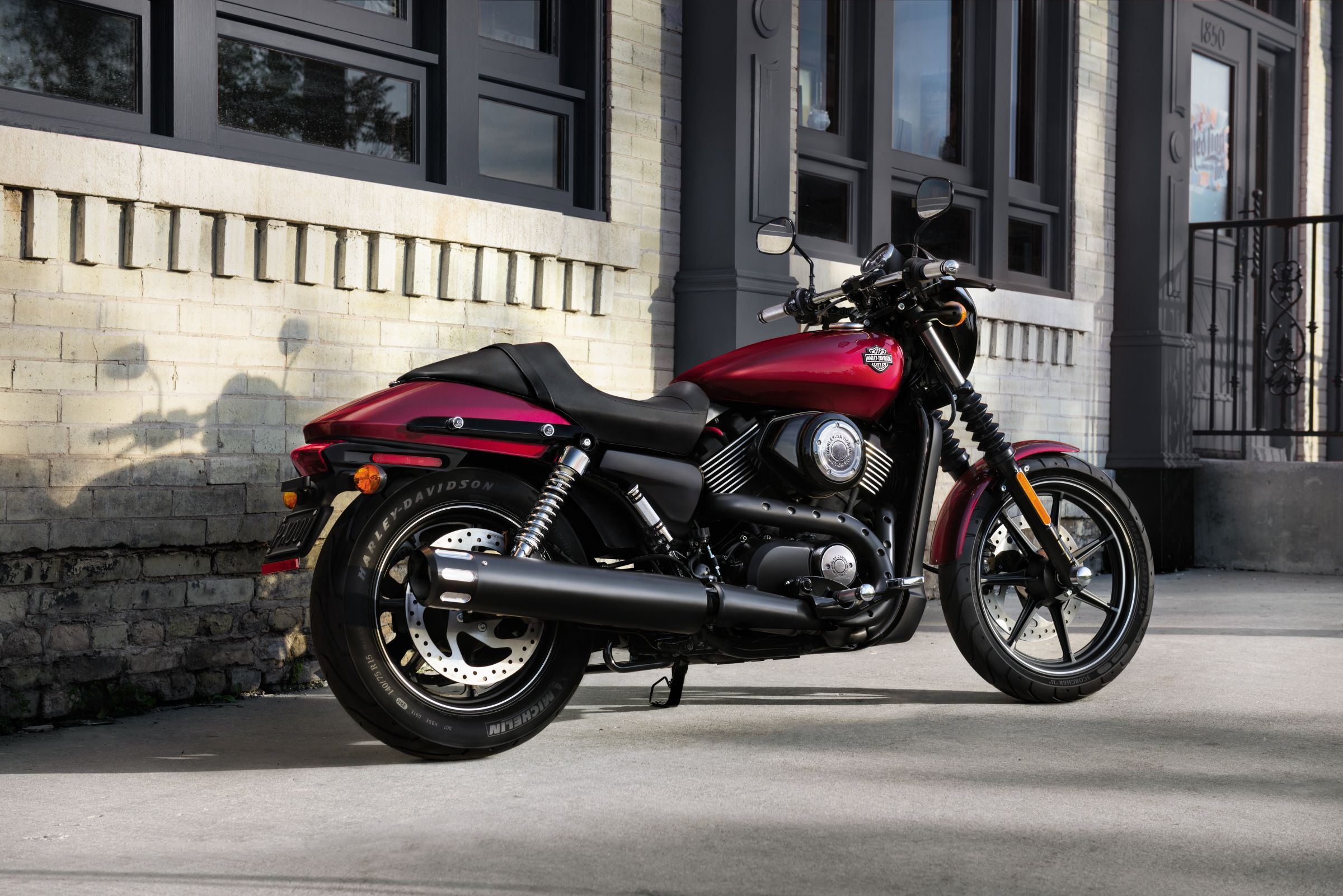Built to conquer the urban world. | 2016 #HDStreet 750