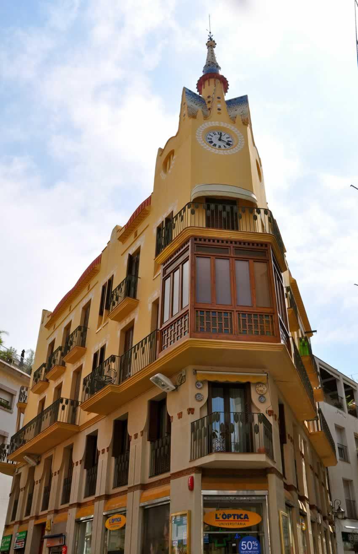 Casa bartomeu carbonell 1913 arquitecto ignasi mas i morell conocida tambi n como la casa - Arquitecto sitges ...
