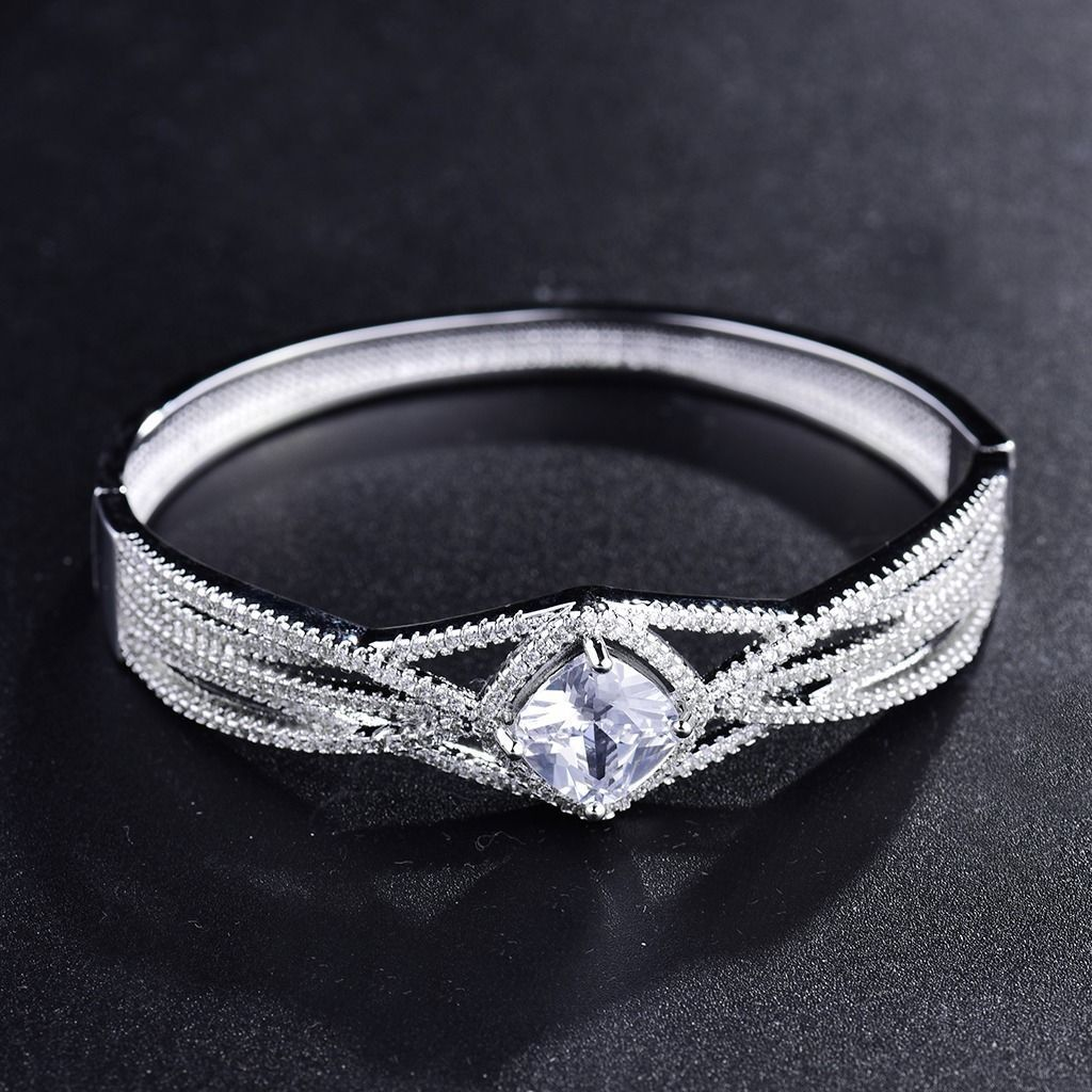 Shining sapphire crystal bracelet white gold filled womens fashion