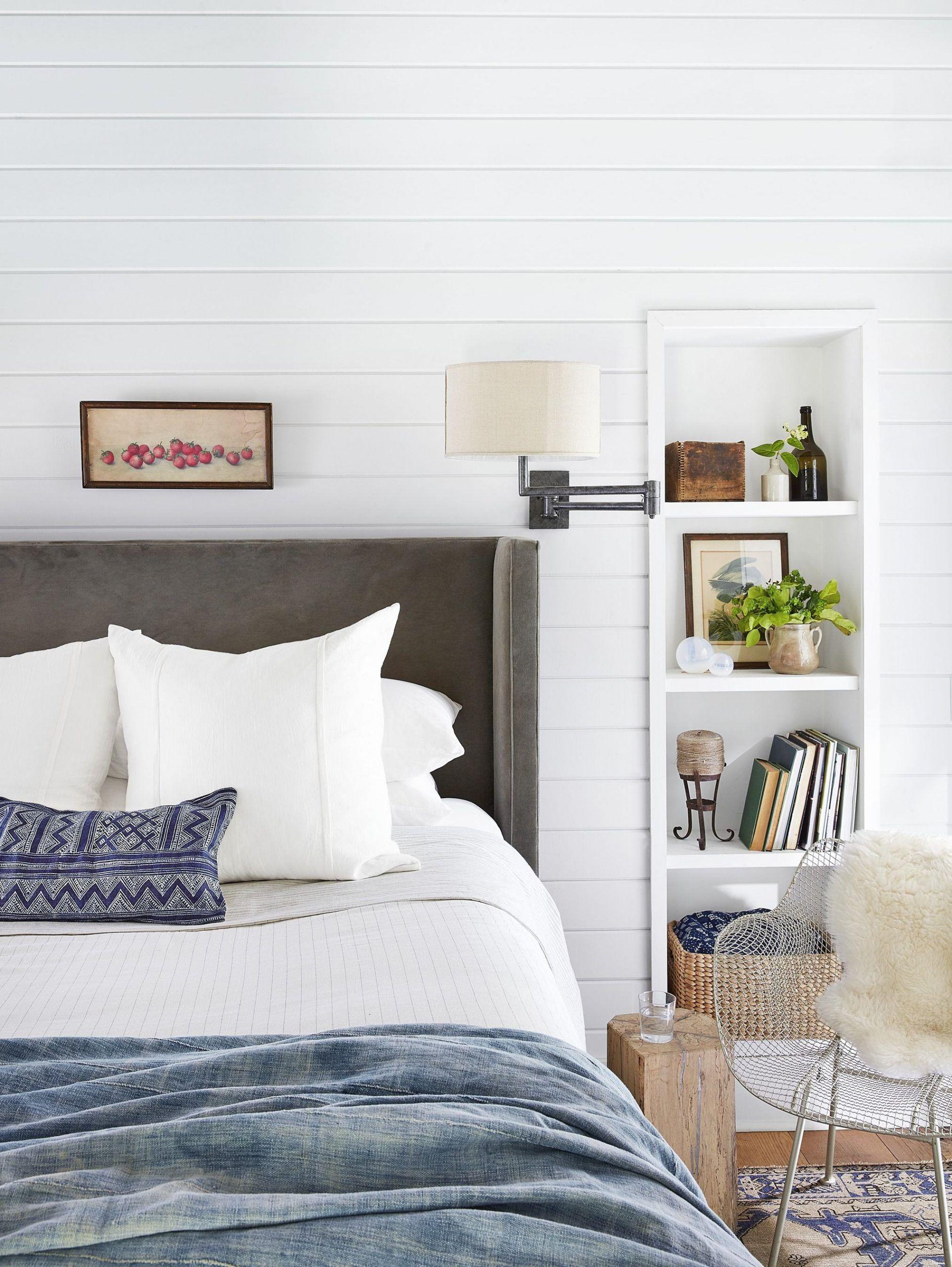 Antique White Bedroom Furniture Decorating Ideas 45 Best White Bedroom Ideas How To Decorate A Whi Home Decor Small Bedroom Ideas For Women Small Bedroom Decor