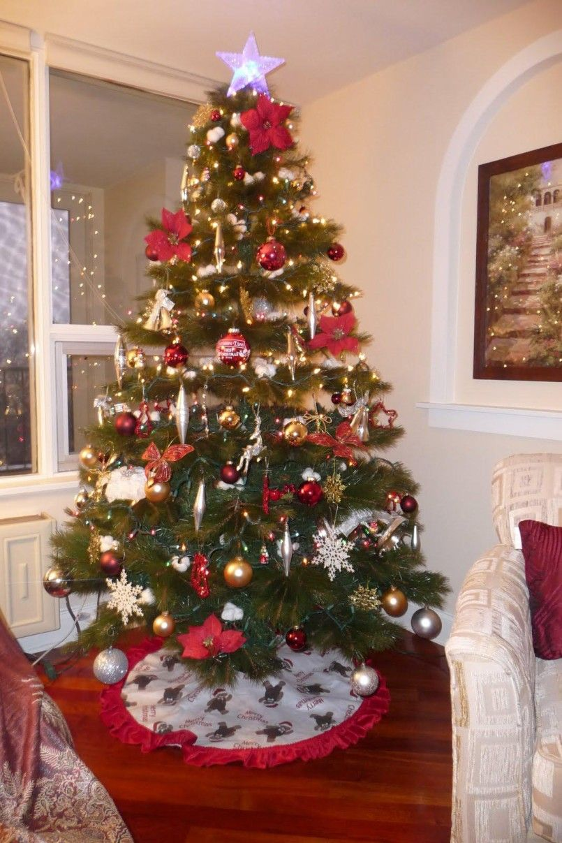 Decorating Minimalist Home Interior Silver Christmas Tree ...