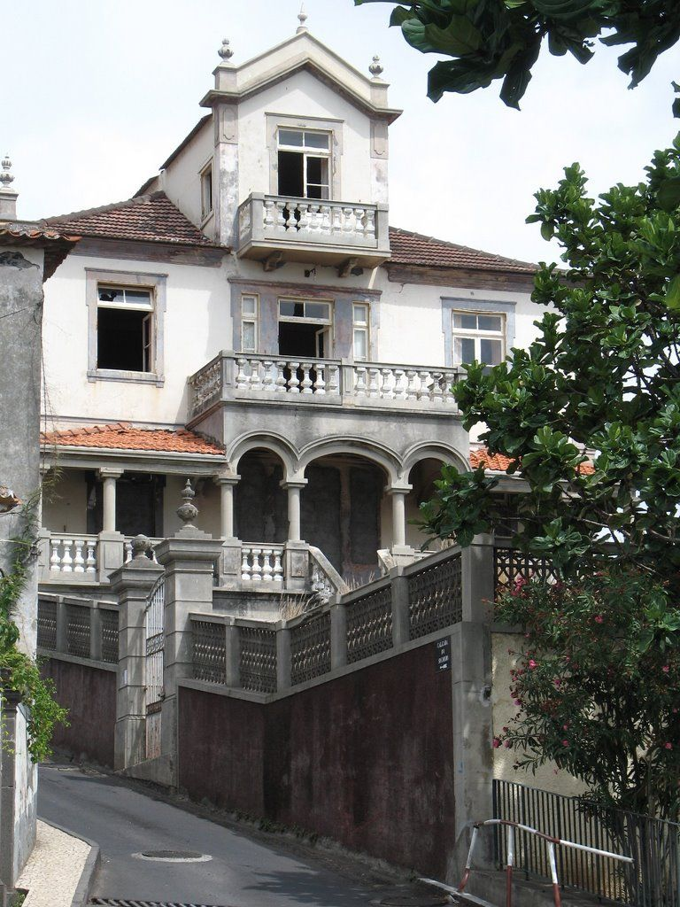 Madeira, Portugal - Panoramio - Photo of Abandoned Mansion