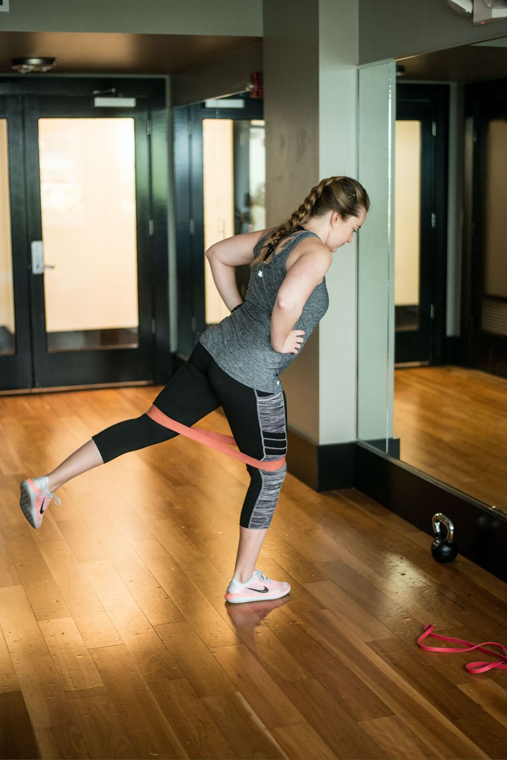 Looking for a quick routine to do yourself?  Exercises you can do at home, the office, or on vacation?  Try this great full-body routine. -Michelle Grocke, Ph.D #stayingactive #workout #resistancebands #lccextension #buyeatlivebetter #homeworkout