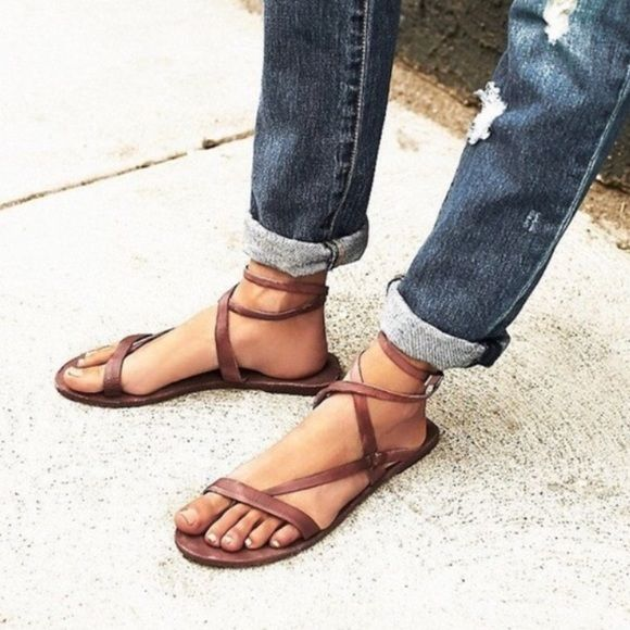 Free People gladiator sandals size 6 These adorable brown Free People sandals were a Poshmark purchase. Unfortunately they don't look right on my narrow feet so I'm reselling. They do for TTS. I just look funny in them! They do come with the box and don't show any true signs of wear. The bottom sole does look scuffed here and there but the sticker is intact so I suspect that it was just tried on by the previous owner but never worn out and about. No trades and no ️️ however reasonable offers…