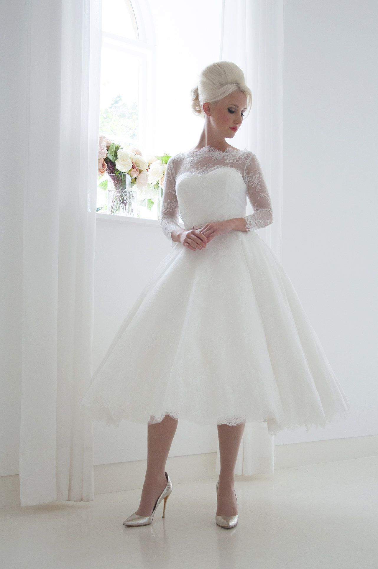Vintage tea length bridal dress Size 8-38 90s does 50s wedding gown Ivory crepe bridal gown 90s Minimalist wedding dress