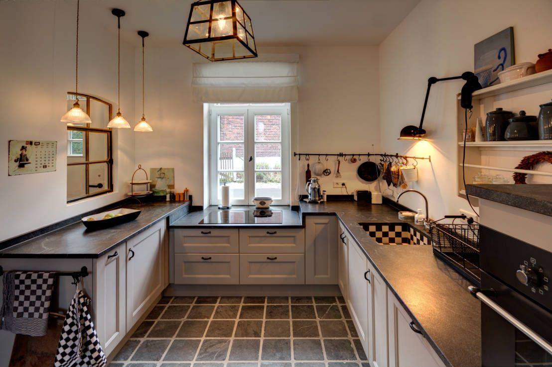 Moderne Landhausküchen moderne landhausküchen kitchen white white wood and kitchens