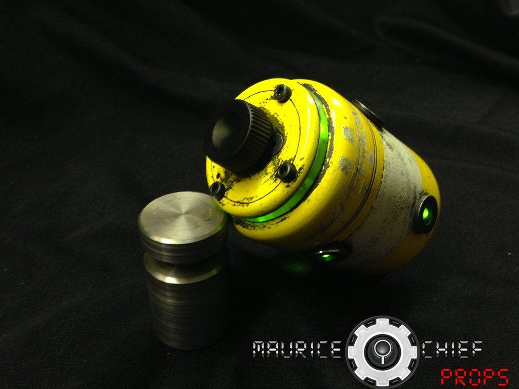 Borderlands 2 Hyperion Singularity Grenade Replica By Mauricechief Deviantart On
