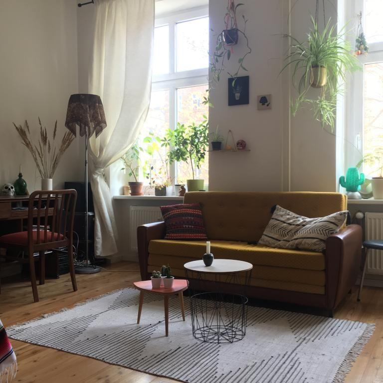 Vintage Wohnzimmer In Berlin Kreuzberg #vintage #retro #wohnzimmerideen # Wohnzimmer #einrichtung #livingroom #interior #sofa #couch