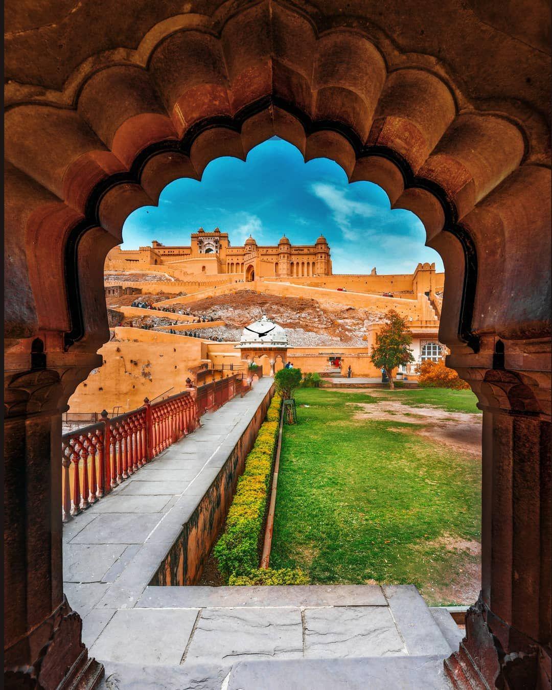 15 1k Likes 296 Comments Kartik A Photographer Gokartik On Instagram Gate To Grandeur Amer Fort Jaipur Amer Fort Grandeur Instagram