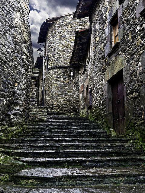 pueblos medieval Cataluña  RUPIT  -- BARCELONA