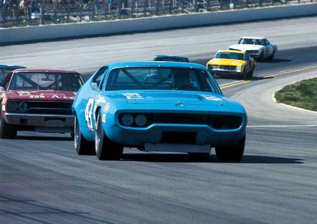 Richard Petty in a 71 Road Runner | Vintage Racing | Nascar