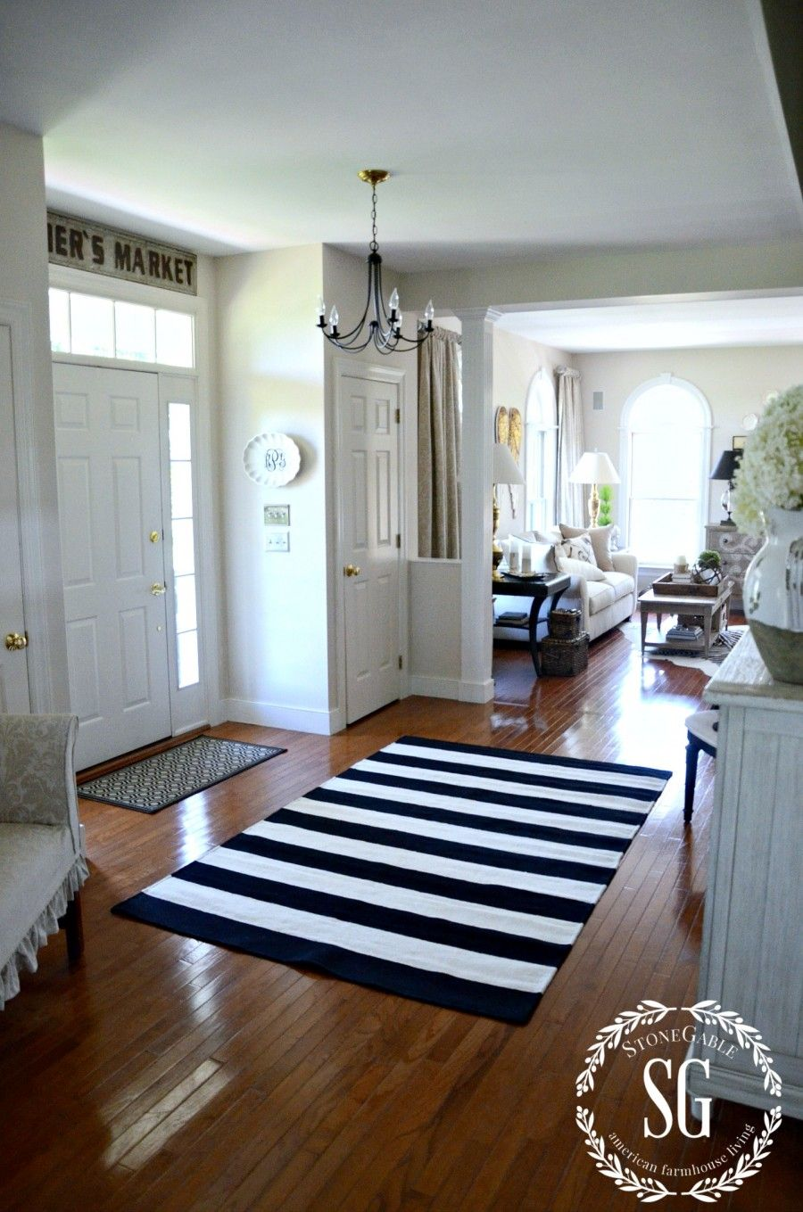 Adding Sass To The Foyer Foyers Modern Farmhouse And Modern