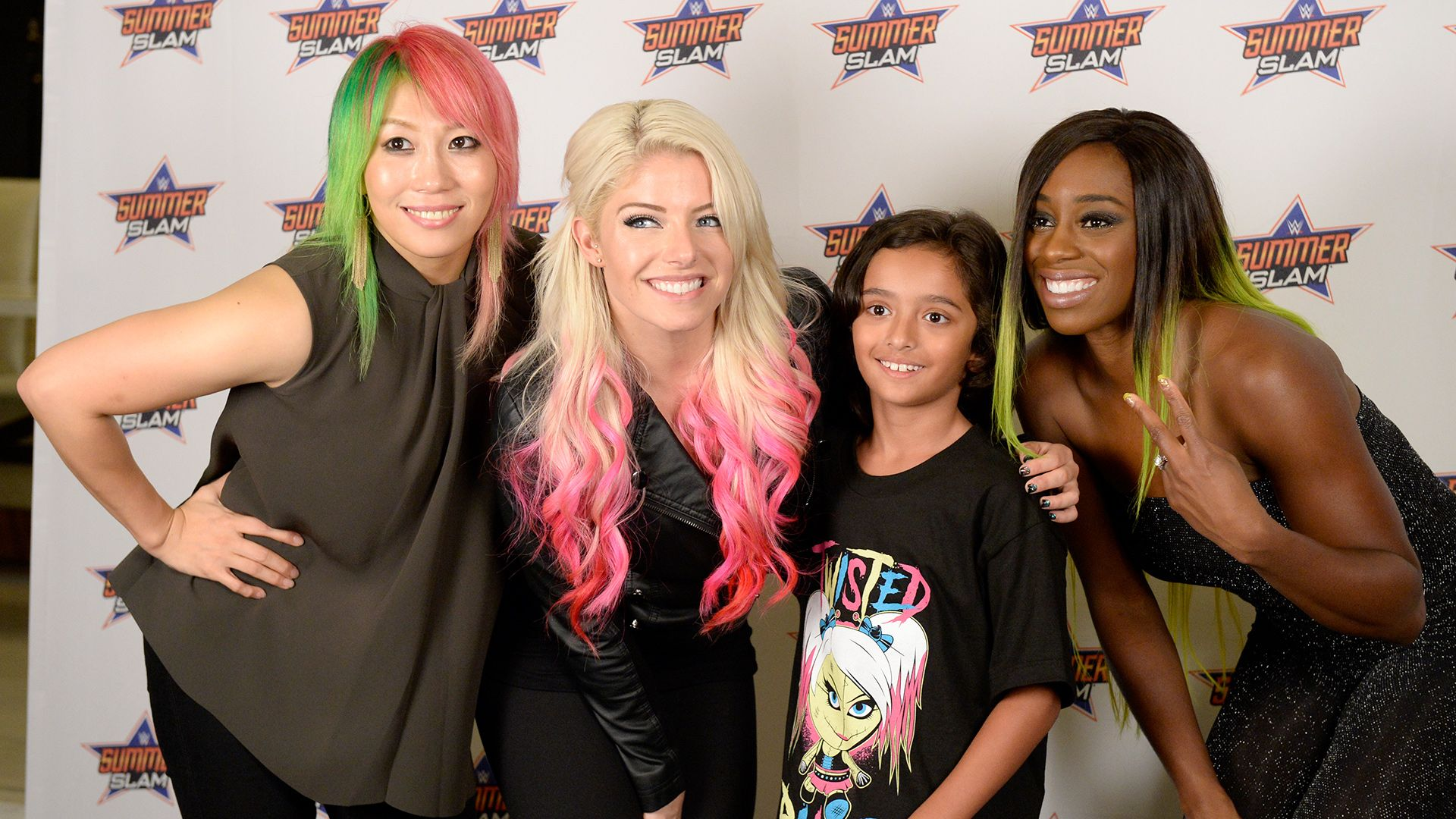 wwe summerslam 2017 meet greet alexa bliss naomi wwe summerslam 2017 meet greet alexa bliss naomi asuka kristyandbryce Choice Image