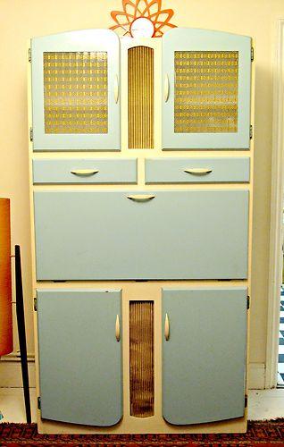 """1950s kitchen cabinet , retro/vintage ( pastout à fait """"mado"""",mais"""