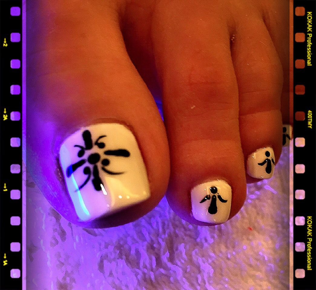 Unique Black White Gel Toes Nail Design By Tom Long Nguyen Tom