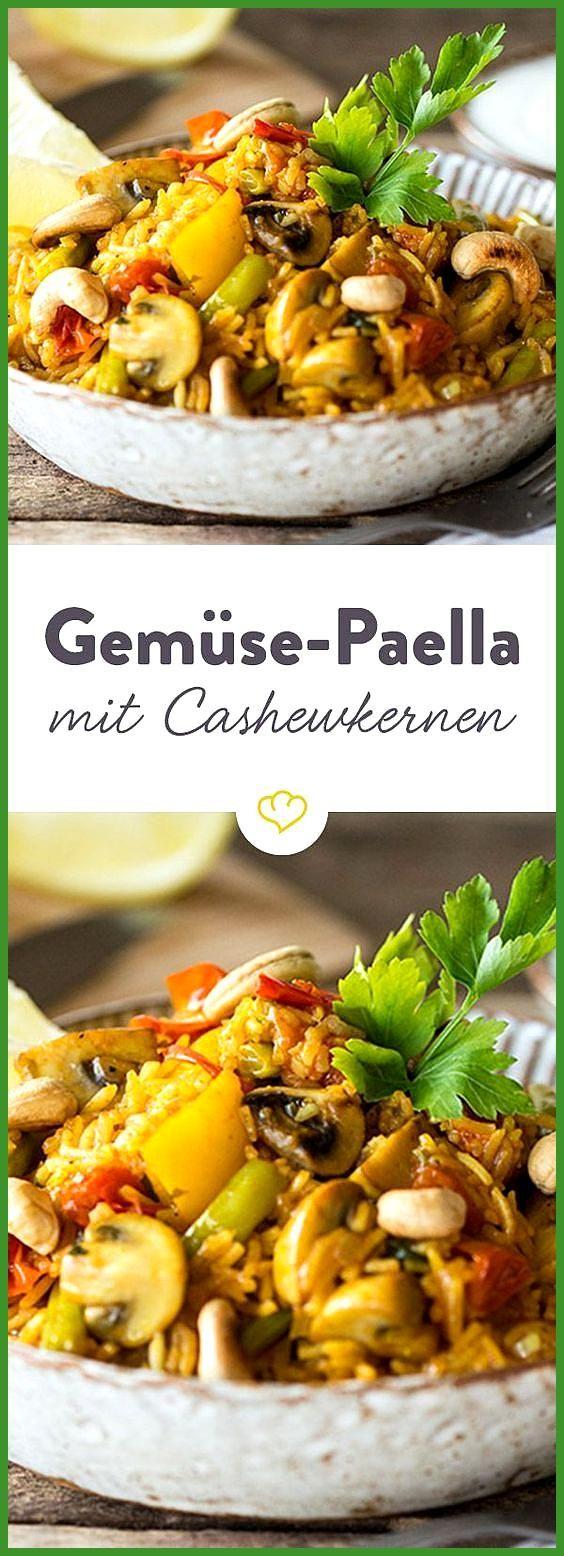 Bunte Gemüse-Paella mit gerösteten Cashewkernen #Bunte #Cashewkernen #Fitness food illustration #Fit...
