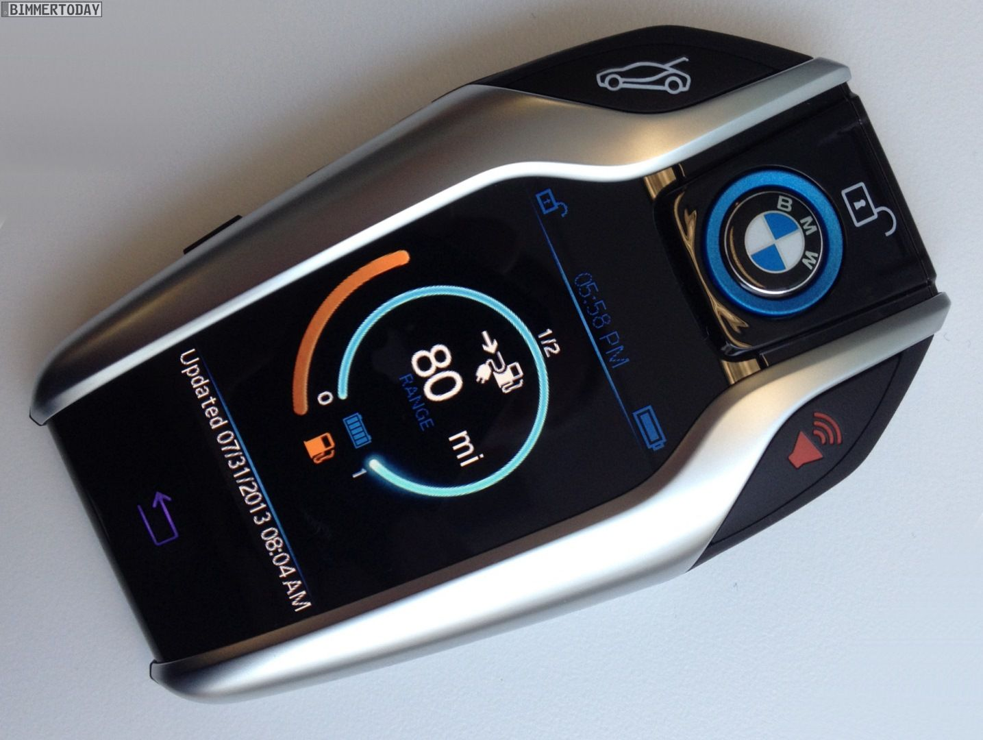 First official photos of BMW i8 Key fob Bmw key, Bmw i8, Bmw
