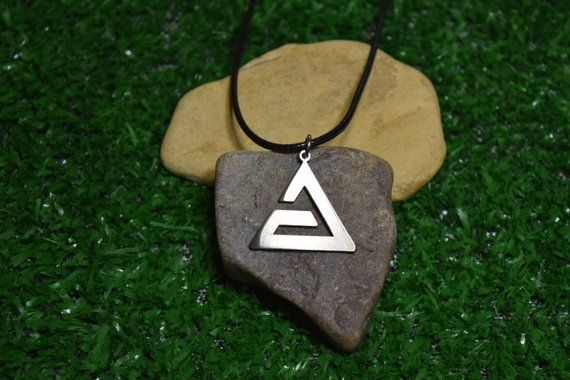 Witcher aard signs wolf wild hunt necklace pendant symbol