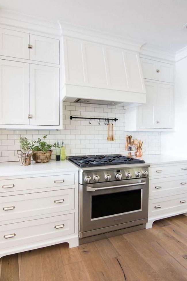 19 Top White Shaker Kitchen Cabinets Farmhouse Subway Tile Backsplash Reviews! #whiteshakercabinets