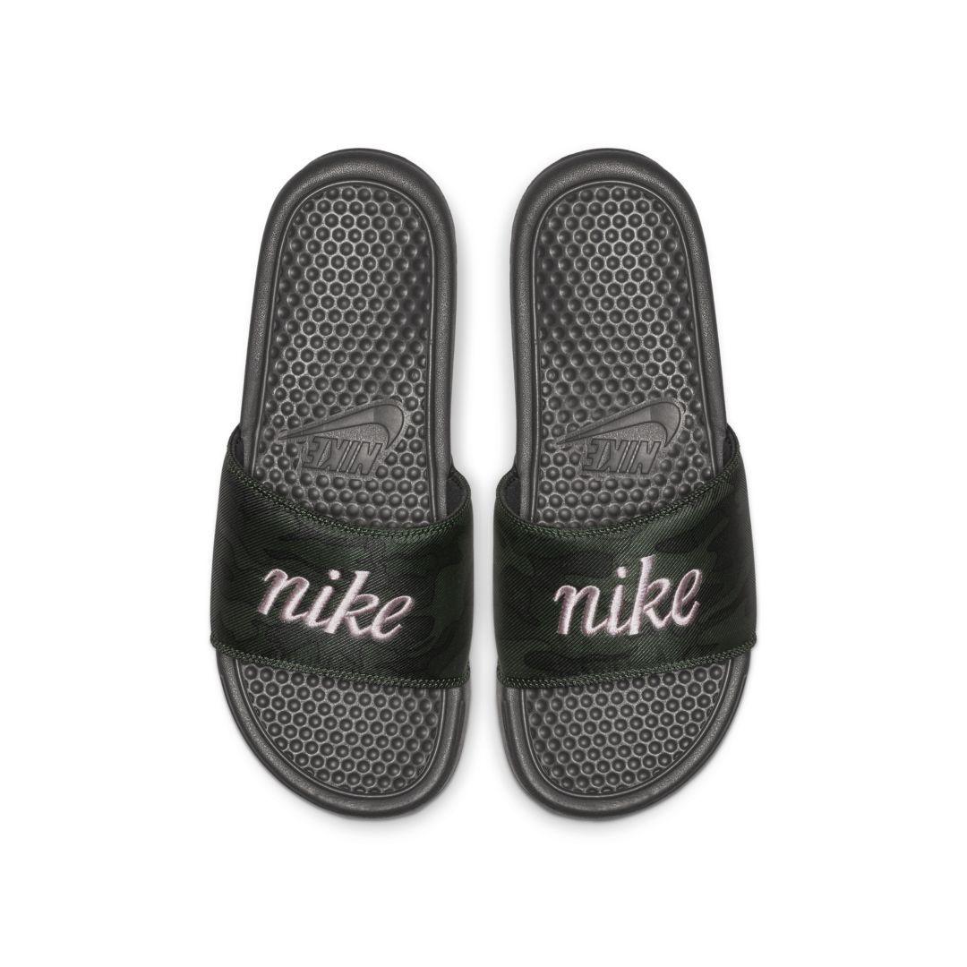 d4d3466fae2f Nike Benassi JDI Floral Women s Slide Size 9 (Black) in 2019 ...