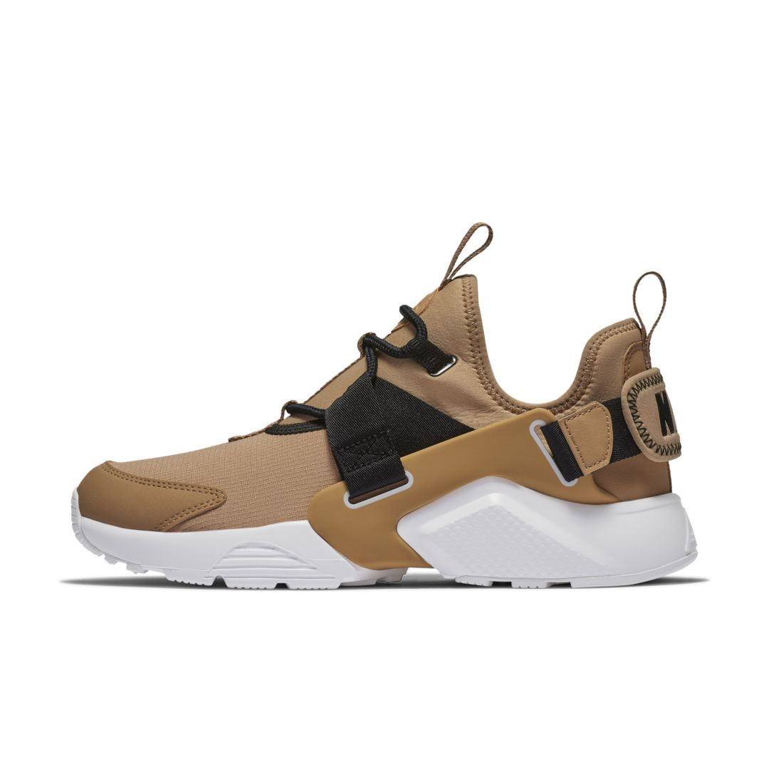 the latest a053f adaf4 Nike Air Huarache City Low Women s Shoe Size 11 (Praline)