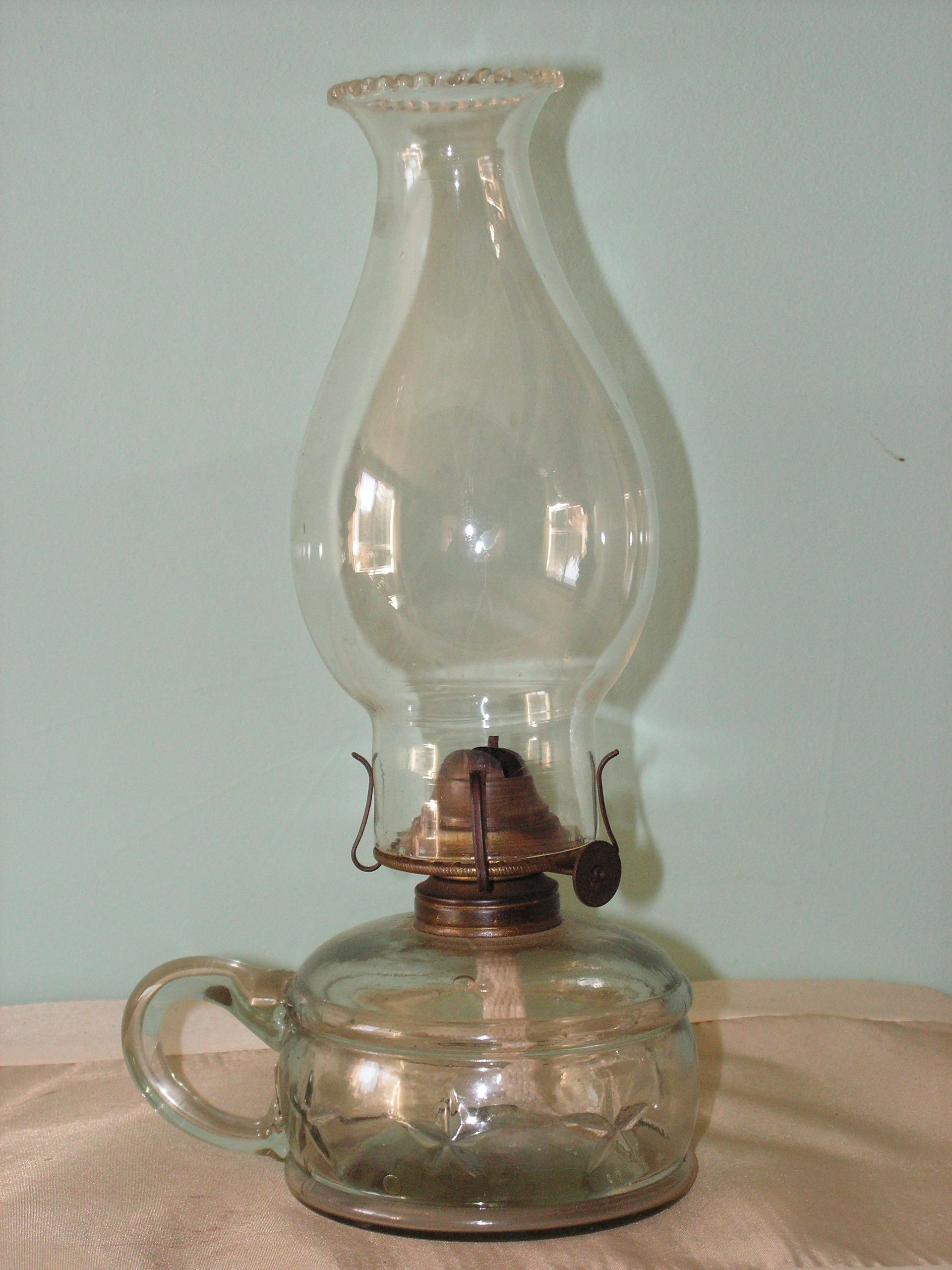 Glass Hand Lamp P A Eagle Burner This Flat Wick Lamp Has The Correct Style Of Chimney Known As The Vienna Pattern Antique Lamps Oil Lamps Lantern Lights