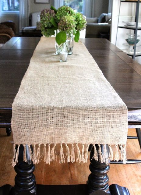 No Sew Fringed Burlap Runner Table Runner Diy Diy Christmas