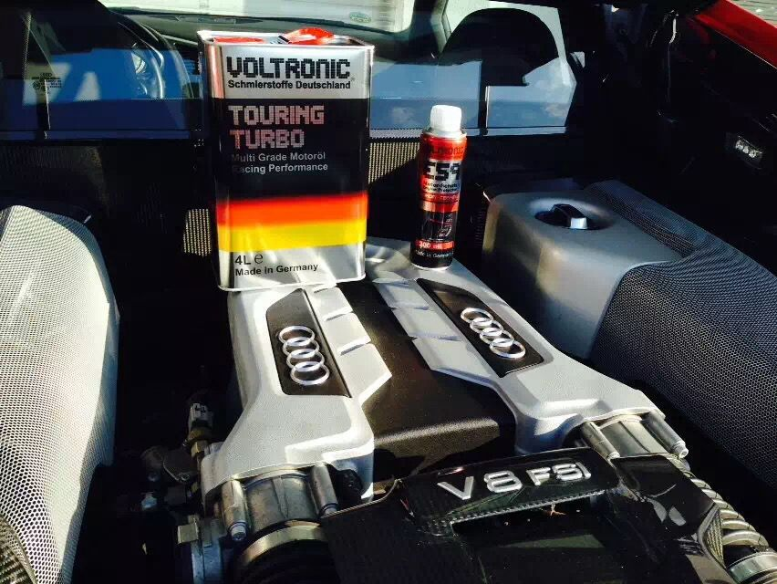 Audi R8 Engine Lubrication With Voltronic Touring Turbo Motor Oil