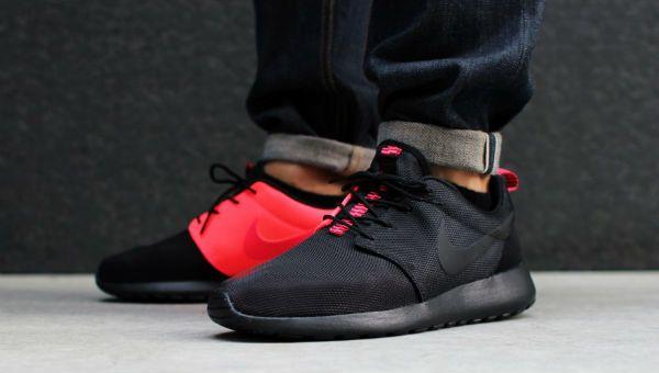 Nike Roshe Run Black / Atomic Red | Cult Edge
