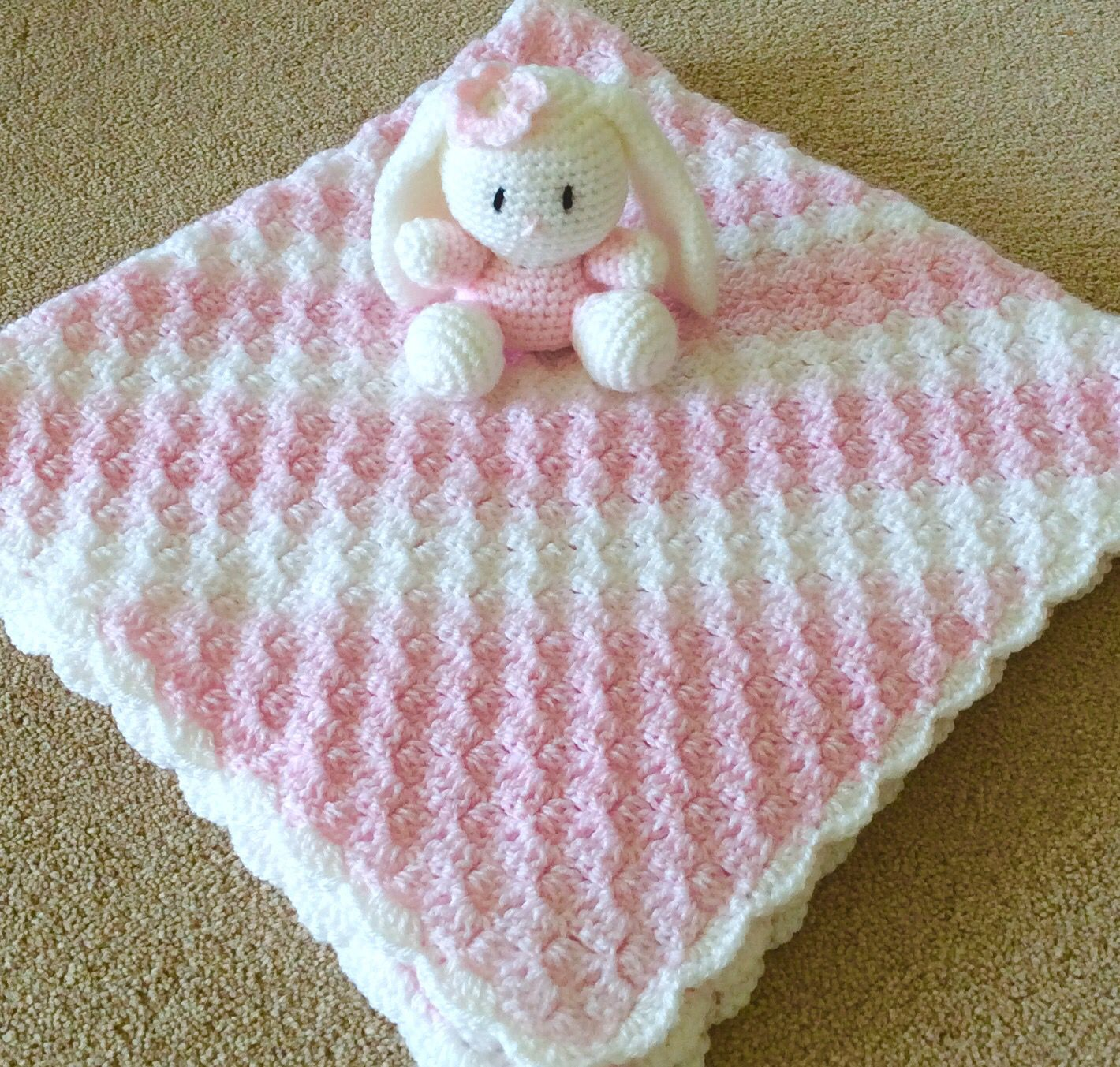 Bunny and blanket | Easy crochet patterns, Crochet blanket ...